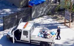 Afval in het Spoorpark.. (Foto Rob Vennix)
